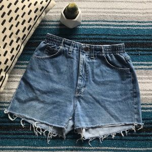 Vintage Lee High Waisted Frayed Mom Jean Shorts